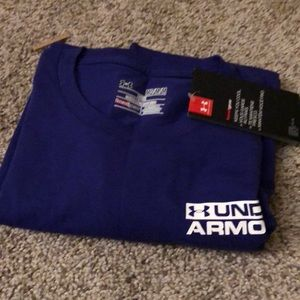 UNDER ARMOUR tshirt